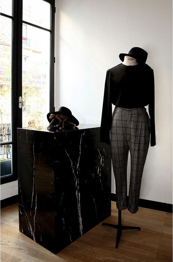 Showroom créateur parisien de costumes sur-mesure