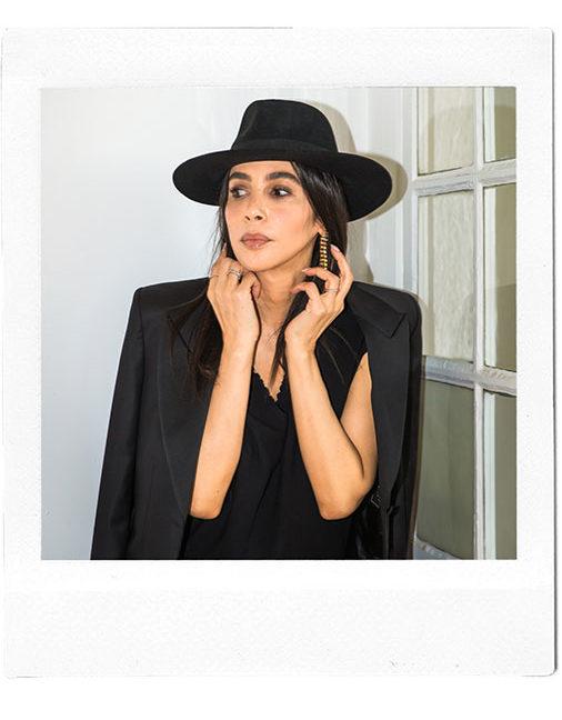 Créatrice de mode française - Costumes sur-mesure - Sandrine Rocher Derichebourg - Photo de Naomi Wu
